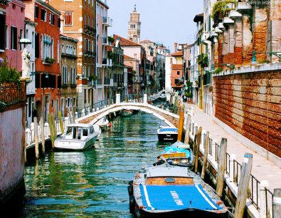 location-of-the-week-the-venice-canals-of-italy