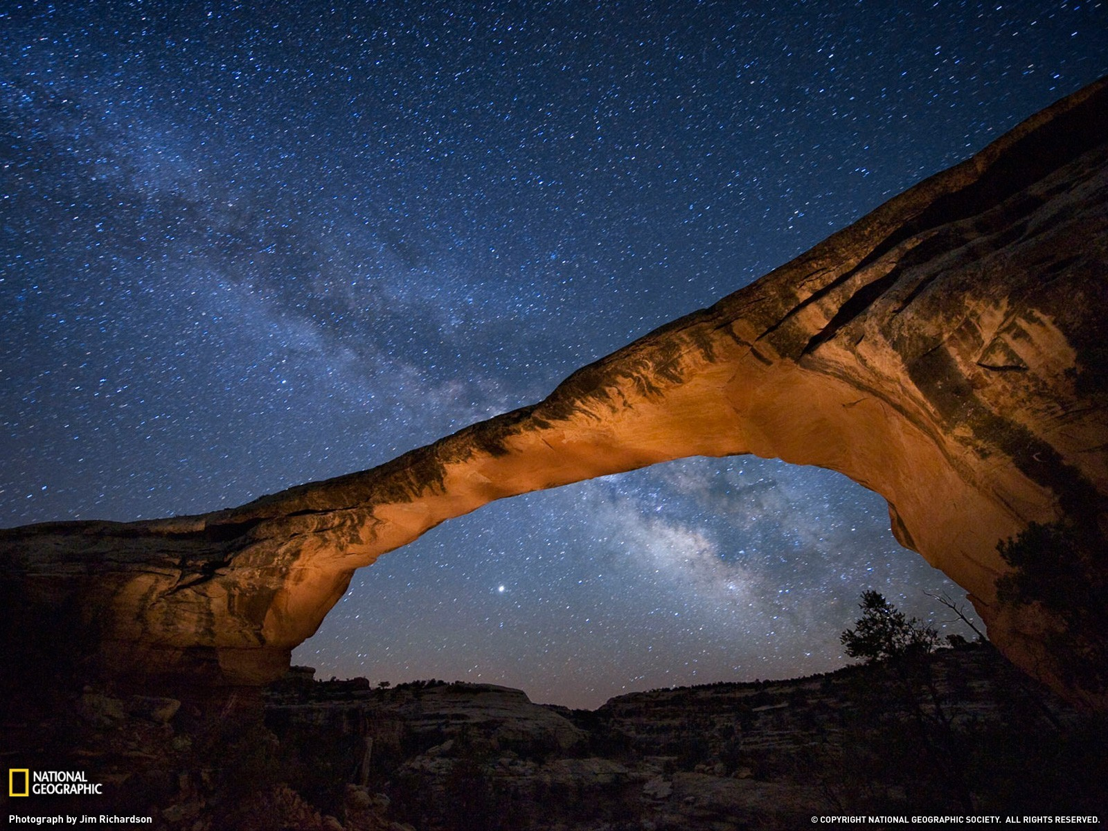 natural-bridges-national-monument-night-skyowachomo-bridge-at-night-utah-biigwm0s