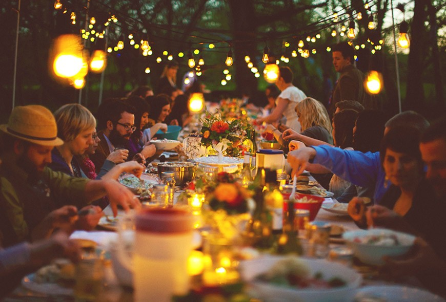 Millennial Magazine - Outdoor Dinner Party