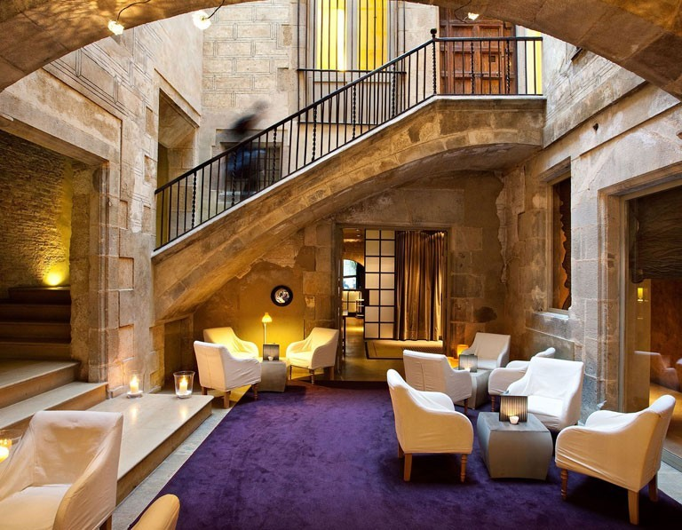 Deep In The Maze Of Barcelonas Gothic Quarter Sits Hotel Neri First 5 Star 22 Room Boutique That Opened Its Doors 2003