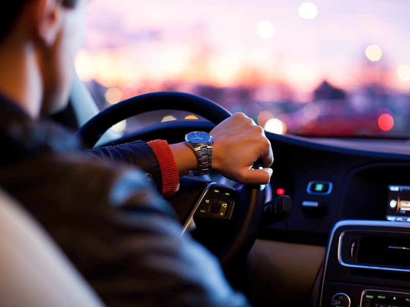 dangerous-distracted-driving-habits-to-avoid-for-a-safe-holiday