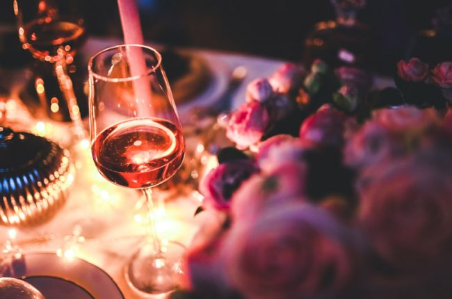how-to-make-your-winter-wine-party-an-ultra-classy-experience
