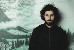 jose-gonzalez-enchants-with-acoustic-performance-at-musco