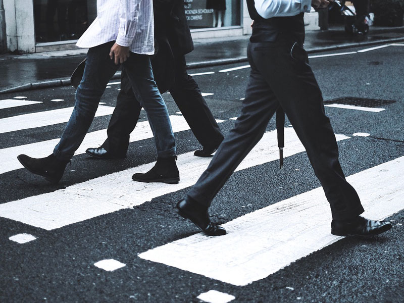 4-safety-habits-every-pedestrian-needs-to-practice